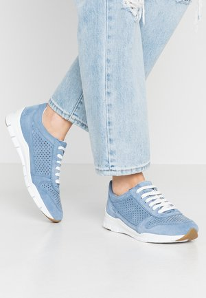 SUKIE - Sneakersy niskie - light blue