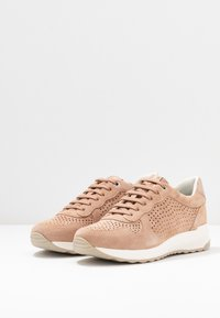 Geox - AIRELL - Trainers - nude - 4
