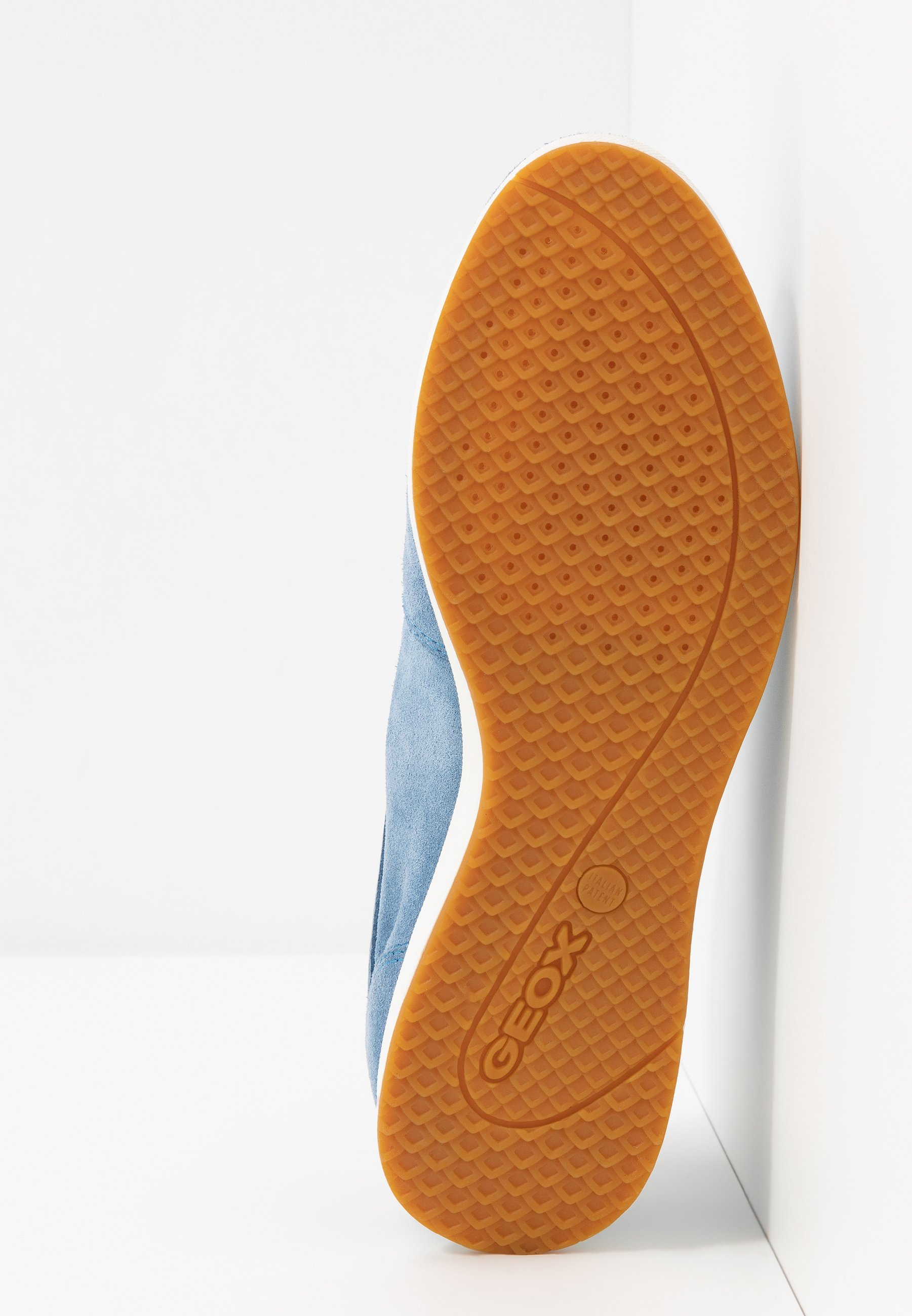 Geox AVERY - Sneakersy niskie - light blue/skin