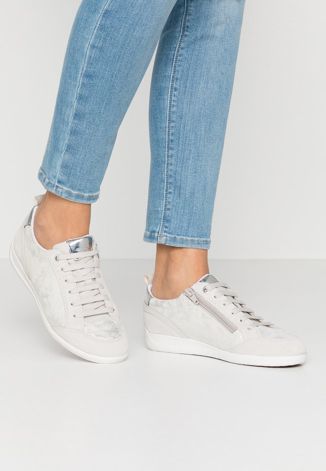 MYRIA - Sneakers laag - silver/offwhite