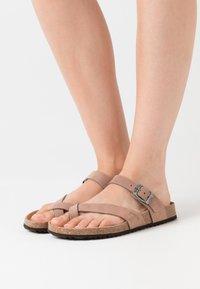 Geox - BRIONIA - Sandalias de dedo - taupe - 0