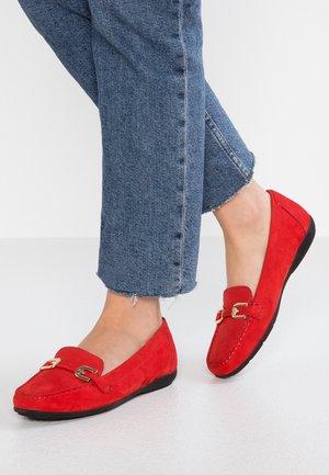 ANNYTAH - Mocasines - scarlet