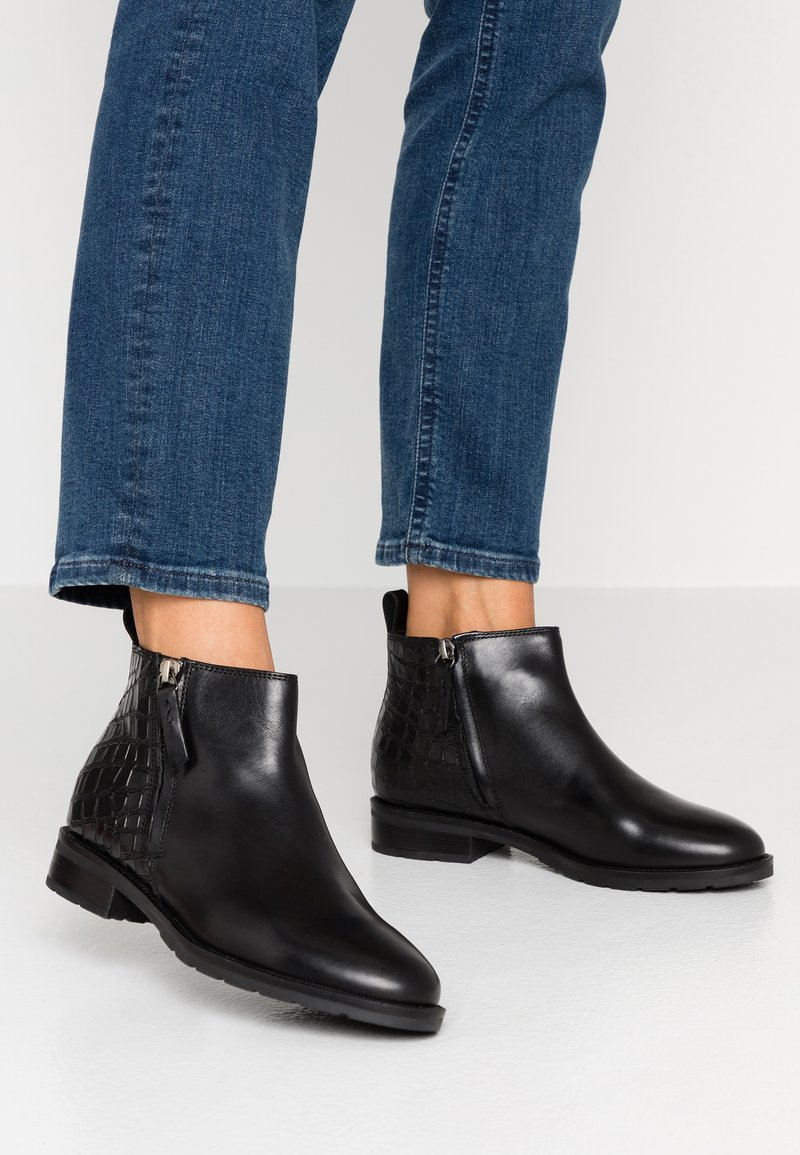Geox - BETTANIE - Ankle boots - black