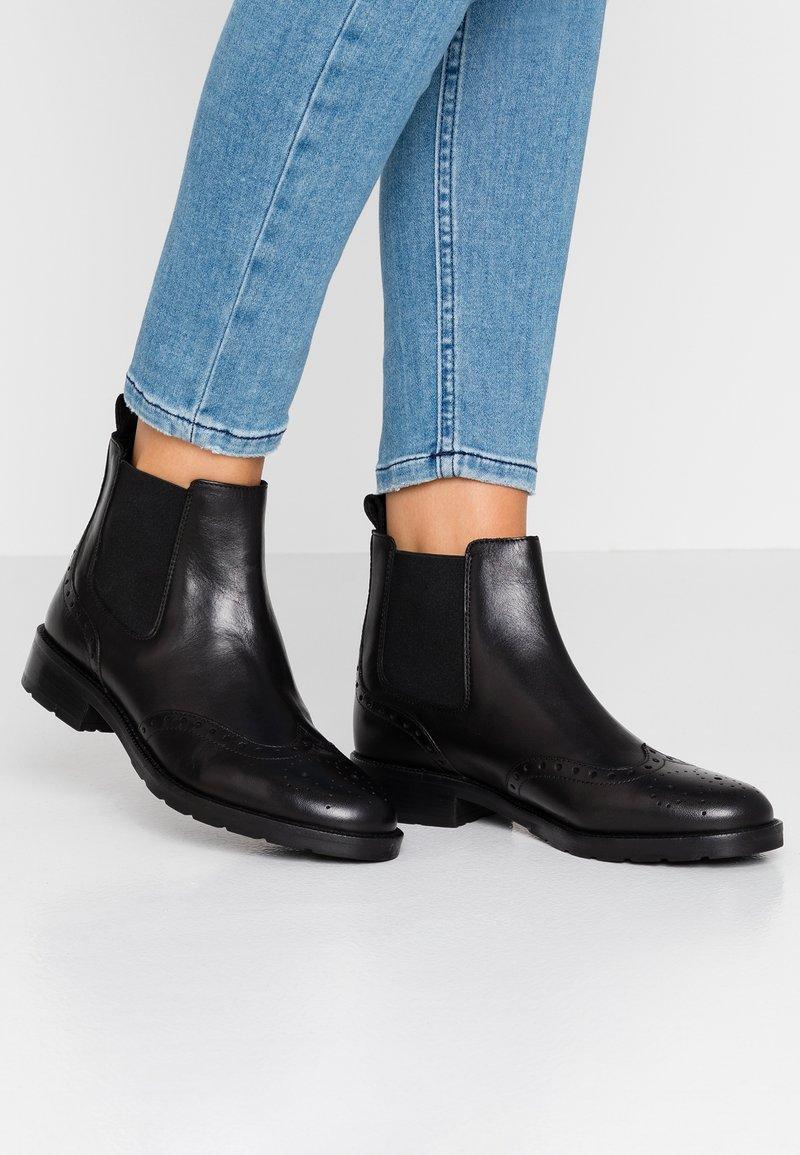 Geox - BETTANIE - Kotníková obuv - black
