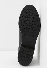 Geox - BETTANIE - Kotníková obuv - black - 6