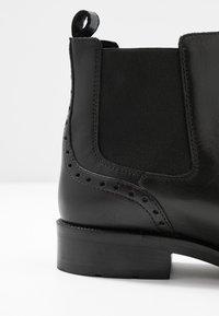Geox - BETTANIE - Kotníková obuv - black - 2