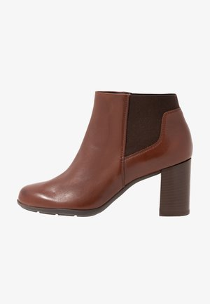 NEW ANNYA - Ankle Boot - brown