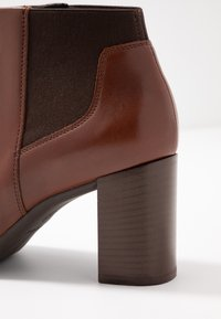 Geox - NEW ANNYA - Ankle boots - brown - 2