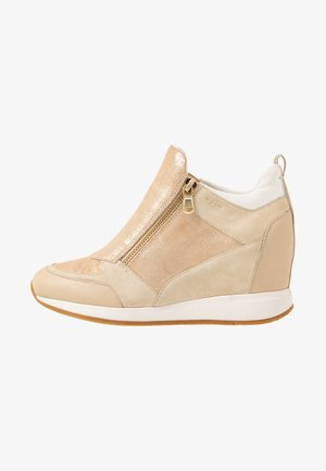 NYDAME - Sneakers hoog - sand