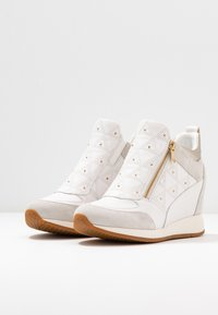 Geox - NYDAME - Joggesko - white/offwhite - 4