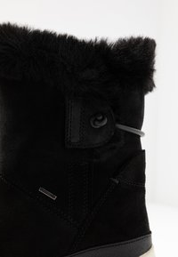 Geox - BACKSIE ABX - Kotníkové boty na klínu - black - 2