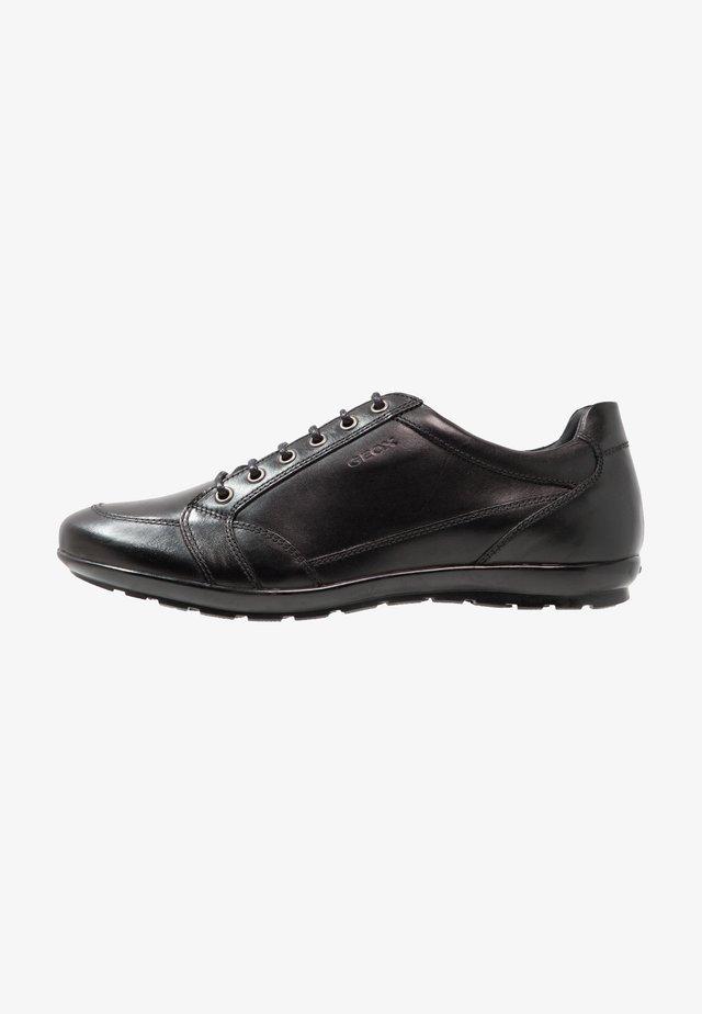 SYMBOL - Zapatos con cordones - black