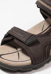 Geox - STRADA - Sandalias de senderismo - brown/sand - 5