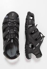Geox - UOMO STRADA - Sandalias de senderismo - black - 1