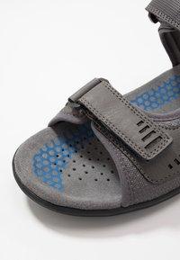 Geox - TEVERE - Sandalias de senderismo - grey/blue - 5