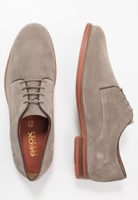 Geox - BAYLE - Lace-ups - taupe - 1