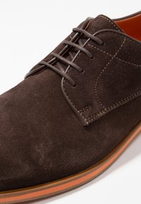 Geox - BAYLE - Lace-ups - brown - 5