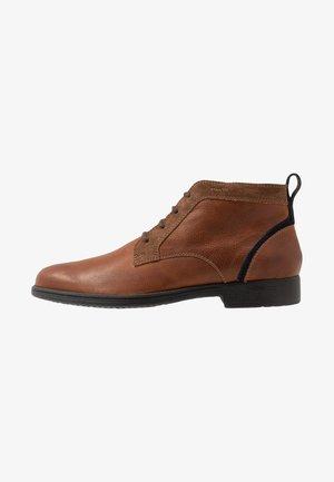 JAYLON - Chaussures à lacets - cognac