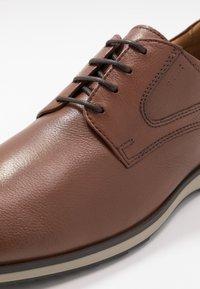 Geox - BLAINEY - Zapatos de vestir - cognac - 5
