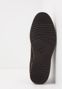 Geox - BLAINEY - Casual lace-ups - dark brown - 4