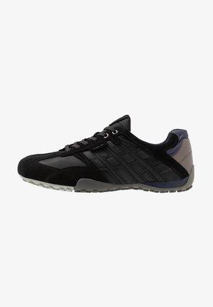 UOMO SNAKE - Sneakers - black/dark avio