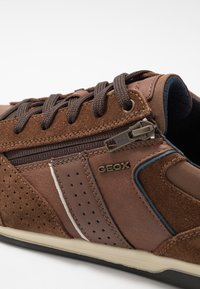 Geox - RENAN - Trainers - browncotto - 5