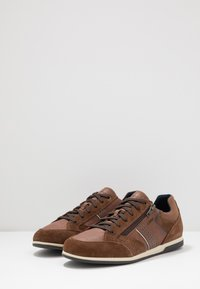 Geox - RENAN - Trainers - browncotto - 2