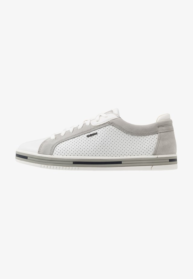 EOLO - Matalavartiset tennarit - white/light grey