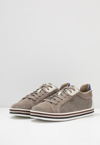 Geox - EOLO - Zapatillas - taupe - 2