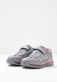 Geox - GIRL - Zapatillas - grey/pink - 2