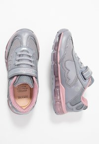 Geox - GIRL - Zapatillas - grey/pink - 1