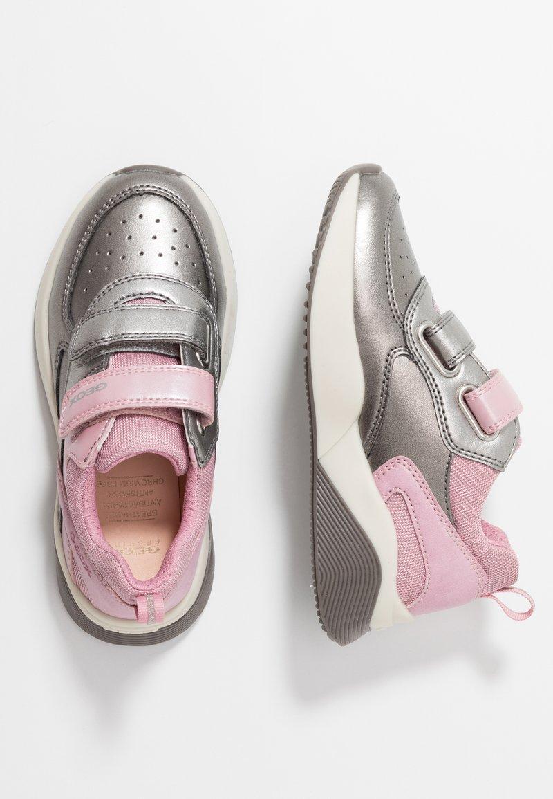 Geox - SINEAD GIRL - Sneaker low - pink/dark silver