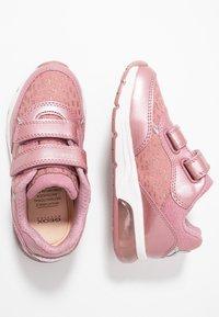 Geox - SPACECLUB GIRL - Zapatos de bebé - antique rose - 1