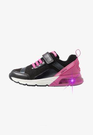 SPACECLUB GIRL - Sneakers laag - black/fuchsia