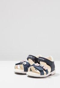 Geox - VERRED GIRL - Zapatos de bebé - navy - 3