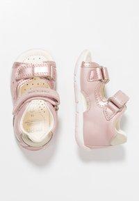 Geox - TAPUZ GIRL - Dětské boty - dark rose/gold - 0