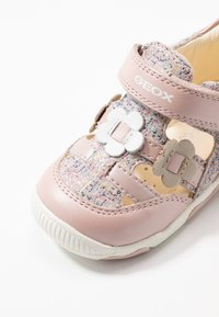 Geox - NEW BALU' GIRL - Sandals - light rose - 2