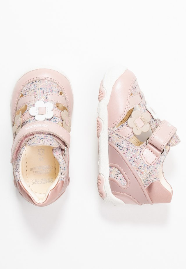 NEW BALU' GIRL - Sandalias - light rose
