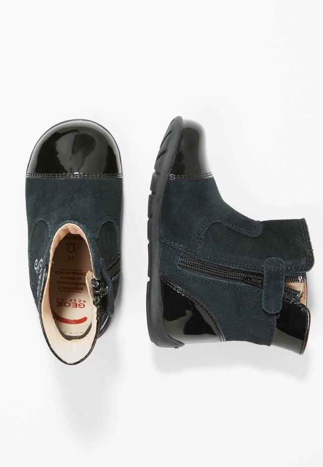 KAYTAN - Zapatos de bebé - black