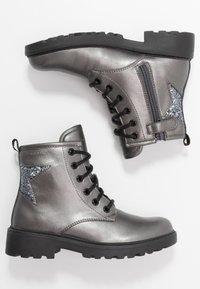 Geox - CASEY GIRL - Bottines à lacets - dark grey - 0