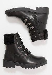 Geox - CASEY GIRL WPF - Šněrovací kotníkové boty - black - 0