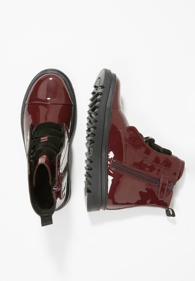 GILLYJAW GIRL - Botines con cordones - dark burgundy