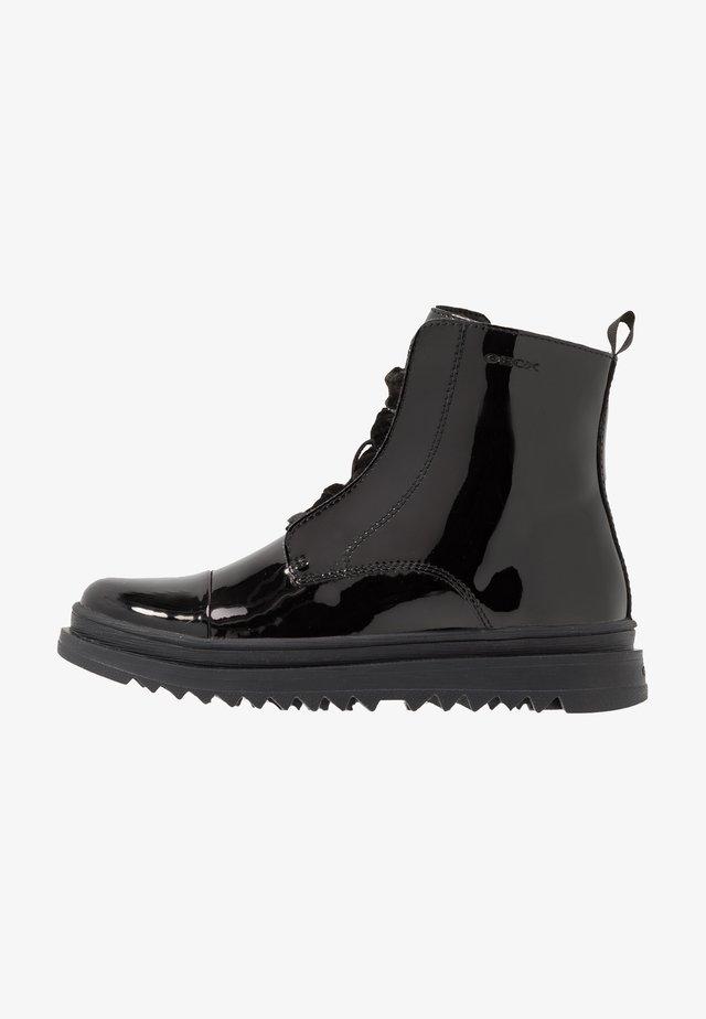 GILLYJAW GIRL - Šněrovací kotníkové boty - black