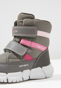 Geox - FLEXYPER GIRL - Babysko - dark grey - 2