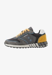 Geox - ALBEN BOY - Zapatillas - grey/dark yellow - 1