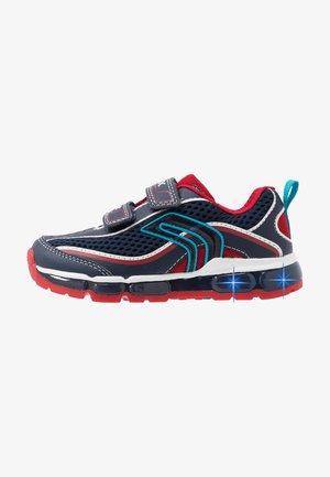 BOY  - Sneaker low - navy/red