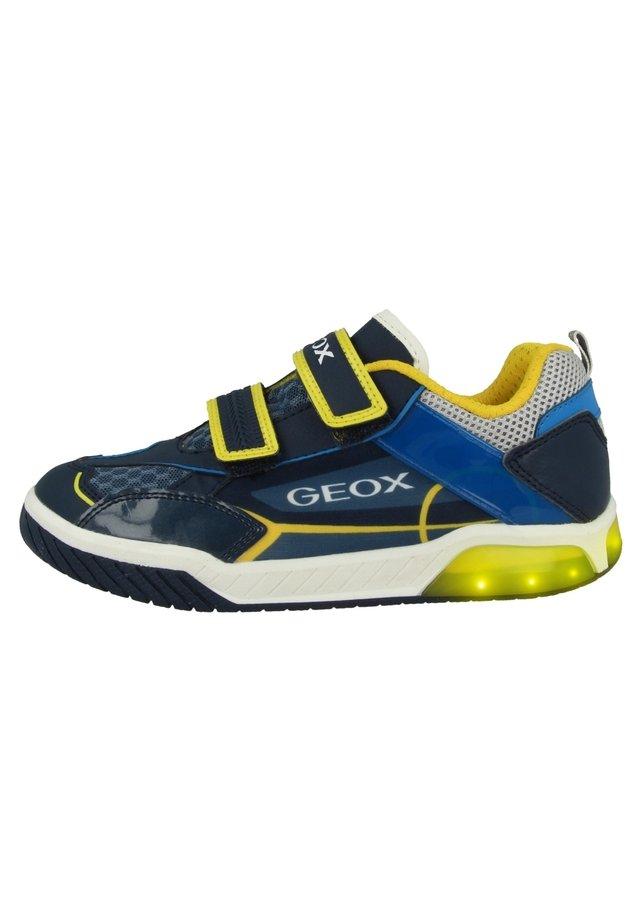 Sneakers laag - navy-yellow (j029ca014buc0657)