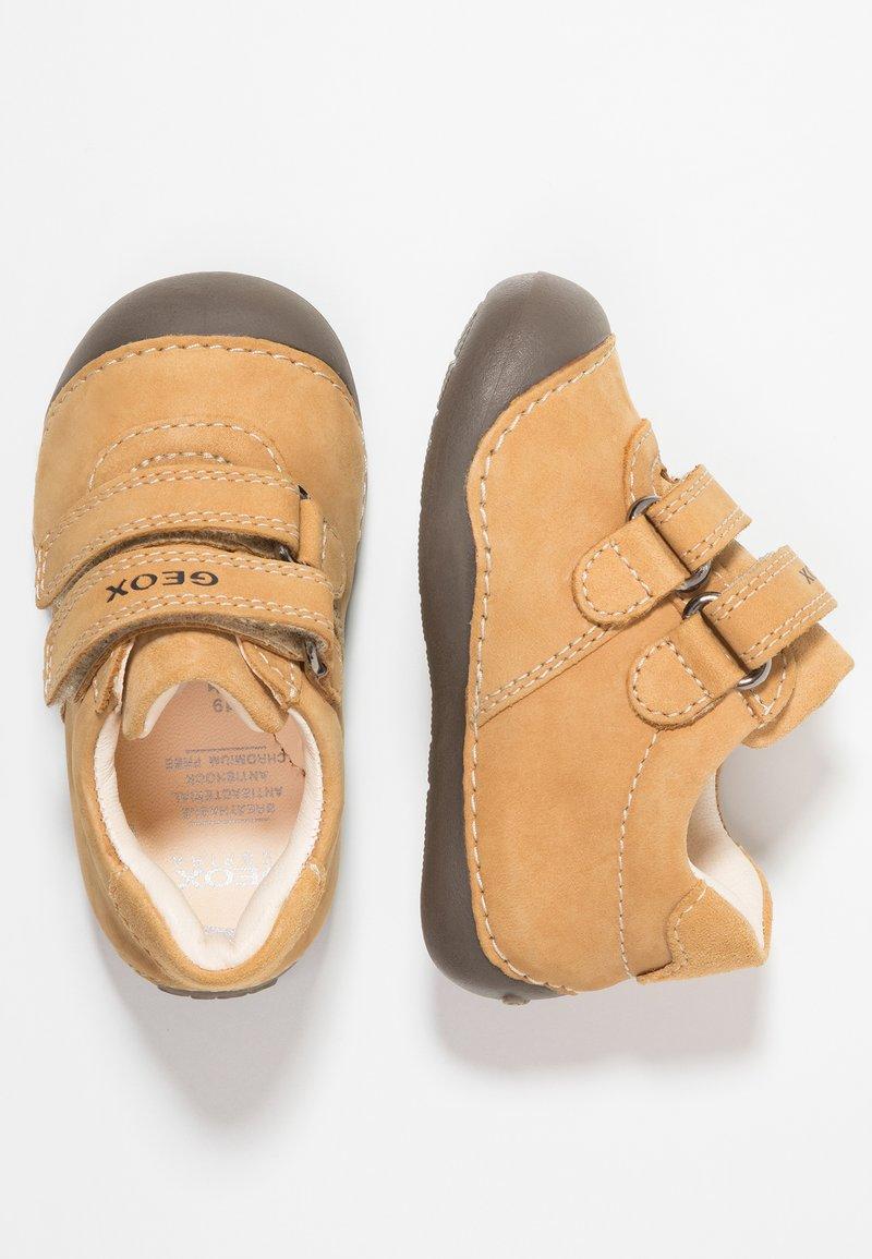 Geox - TUTIMI - Dětské boty - biscuit