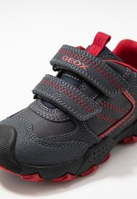 Geox - BULLER BOY - Joggesko - navy/dark red - 2