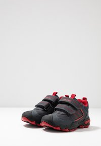 Geox - BULLER BOY - Joggesko - navy/dark red - 3